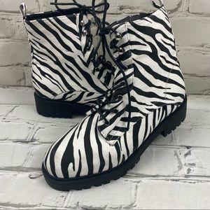 Wild diva zebra print combat boots with size zip
